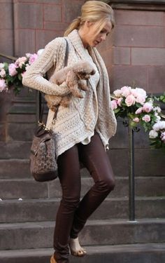 Blake Lively - Cute and comfy