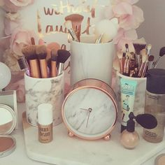 DIY Makeup Room Ideas, Organizer, Storage and Decorating Makeup Vanity Table, Makeup Room Meaning, Makeup … My New Room, My Room, Dorm Room, Makeup Vanities, Makeup Vanity Decor, Gold Bedroom, Dream Bedroom, Bedroom Ideas Rose Gold, Rose Gold Room Decor