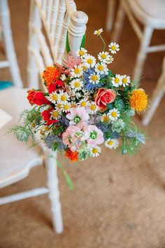Wedding Ideas By Colour: Bright Wedding Flowers - Floral decor | CHWV #wedding #decor #bride #groom #summerwedding #weddingdecor #diy #bohowedding