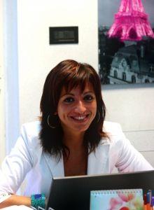 Noi di Parigi.it ci mettiamo la faccia :) - Bonjour da Olga! Olga D. è la nostra Product Manager, si occupa della programmazione, del testing e della promozione di nuovi prodotti per Parigi.it: visite ed escursioni a Parigi e dintorni, ristoranti e cabaret, biglietti e pass online. Coordina anche l'operativo e il booking individuale. Potete contattare Olga all'indirizzo olga@parigi.it per informazioni sui nostri prodotti o se desiderate inviarci segnalazioni e suggerimenti sui nostri…