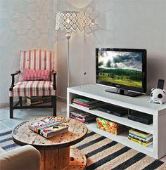 Apartamento tem soluções criativas para personalizar, reciclar... - Casa.com.br