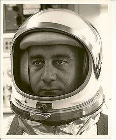 Gus Grissom, Project Gemini, American Space, Risky Business, Nasa Astronauts, Vintage Space, Space Race, Man On The Moon, Space Program