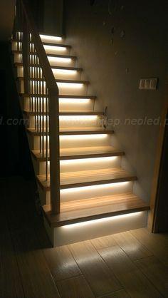 podświetlenie schodów ledami