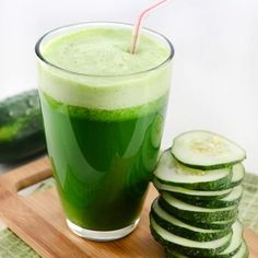 Preparation: Take 1 cucumber, 1 lemon, 1 tbs. grated ginger, 1 tbs aloe vera juice, a bunch of parsley or cilantro and Yummy Juice Recipes, Smoothie Recipes, Healthy Recipes, Easy Recipes, Juicer Recipes, Healthy Oils, Yogurt Recipes, Canning Recipes, Salad Recipes