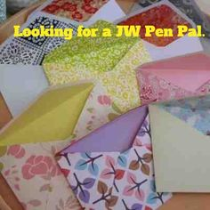 Looking for a few JW penpals! Love snail mail, crafting, and sending little packages in the mail.