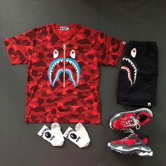 Dope Outfits For Guys, Swag Outfits Men, Retro Outfits, Cool Outfits, Bape Outfits, Hypebeast Outfit, Bape Shirt, Lesbian Outfits, Sneakers Wallpaper