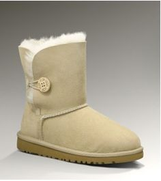 Cheap Uggs Bailey Button 5991 Boots For Kids Ugg Snow Boots, Kids Ugg Boots, Ugg Boots Sale, Ugg Boots Cheap, Ugg Kids, Classic Ugg Boots, Ugg Classic, Uggs For Cheap, Ugg Bailey Button