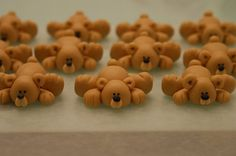 fondant bears=bunch of cute ones on this site.