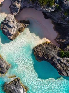 Horseshoe Bay, Bermuda | These 20 beaches are mandatory bucket list priorities for traveling connoisseurs of all kinds.                                                                                                                                                                                 More