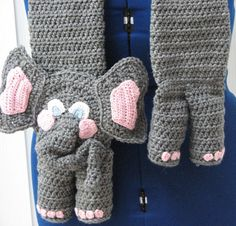Hey, I found this really awesome Etsy listing at https://www.etsy.com/listing/160861459/elephant-scarf-and-tote-set-crochet