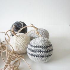 Hæklet julekugler // Crochet christmas balls.