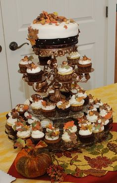 autumn wedding centerpieces | Five fall wedding cakes Fall wedding cupcake tower – Ideas for ...