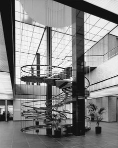 JuliusShulman, 1965: Interior view, Department of Water and Power headquarters, A.C. Martin & Associates, Los Angeles, 1965. J Paul Getty Trust