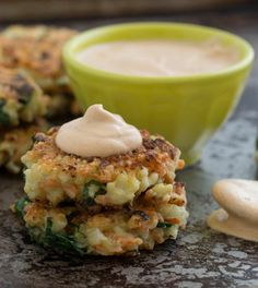 Crispy Cauliflower-Carrot Fritters with Smoky Garlic Aioli. - need to find a way to make these - link broken.