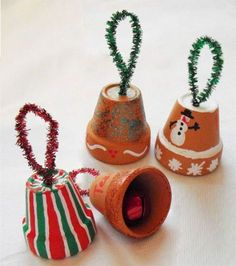 Christmas Bell Ornaments - inexpensive holiday activity for kids. Would be awesome at a winter festival, recreation center, fundraiser, child to parent gift in art class at school, or even for elderly residents in nursing homes. All of the pieces are easy to handle, construction is simple, they're fun to assemble and you can paint them however you like. :)…