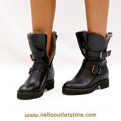 Stivaletto nero con pelliccia – keb Outlet Store, Biker, Boots, Fashion, Elegant, Crotch Boots, Moda, Fashion Styles, Shoe Boot