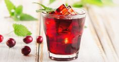 Do your health a favor by drinking cranberry juice more often. Cranberry juice is extracted from a small acidic berry coming from an evergreen shrub cultiv Thc Detox, Kidney Detox Cleanse, Liver Detox, Detox Drinks, Healthy Drinks, Healthy Vag, Remedies For Kidney Infection, Uti Remedies, Alternative Medicine