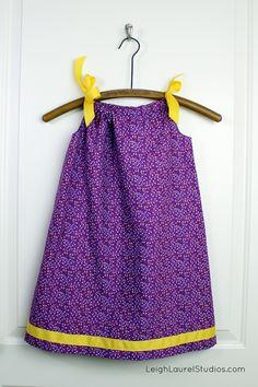Tutorial: Pillowcase Dress with Ribbon Ties and Trim - Leigh Laurel Studios Barbie Clothes, Sewing Clothes, Diy Clothes, Pillowcase Dress Pattern, Pillowcase Dresses, Simple Dresses, Pretty Dresses, Maxi Dress Tutorials, Fleece Hats