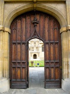 Wadham College door | 32 Photos That Prove Oxford Is An Awe-Inspiring Wonderland