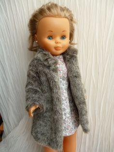 ANILEGRA COSE PARA NANCY: MODELITOS PARA LAS FIESTAS!!!!! Pram Toys, Nancy Doll, Childhood Memories, Doll Clothes, Fur Coat, Kimono, Dolls, Sewing, Crochet