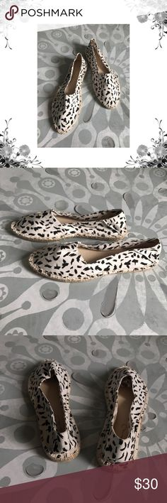 "Report Signature 'Shinx' Ehite Espadrilles Manufacturer Color is Black/White. New with box. Heel Height is approx 3/4"". Platform Height is approx 3/4"". Slip On. Material is Man Made. Canvas fabric. Bundle for discounts! Thank you for shopping my closet! Report Signature Shoes Espadrilles"