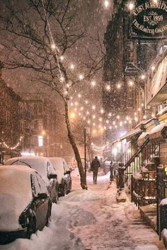 Winternacht – East Street, East Village, New York City – Stadt Fotografie Winter Szenen, Winter Magic, Winter Night, Winter Time, Winter Christmas, New York Winter, Winter Travel, New York Snow, Magical Christmas