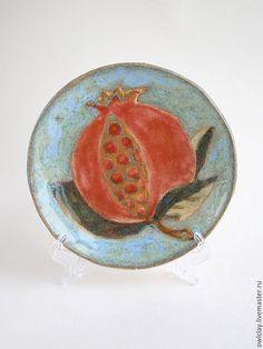 Ceramic plate with Pomegranate image / Тарелки ручной работы. Ярмарка Мастеров - ручная работа. Купить Тарелка «Изобилие». Handmade. Керамика, ручная лепка, посуда, шамот