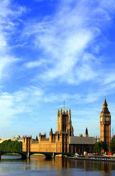 House of Parliament in London, United Kingdom Central Government, Houses Of Parliament, London United, Pinoy, Great Britain, United Kingdom, New York Skyline, Cities, England