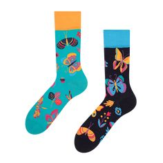 Understand your potential, your dreams, spread your wings and fly. Butterflies are a symbol of freedom, change of soul and creativity. They belong to the most beautiful creatures of nature. Each of us is like a butterfly ready to freely fly and change. These socks with symoblic creatures design will remind you of your uniqueness whenever you wear them. Symbols Of Freedom, All About Eyes, Creature Design, Good Mood, Beautiful Creatures, Bleach, Dreaming Of You, First Love, Most Beautiful