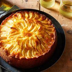 Apple And Almond Cake, Almond Cakes, Apple Cake, Cake Recipes, Dessert Recipes, Apple Recipes, Apple Desserts, German Baking, Almond Paste