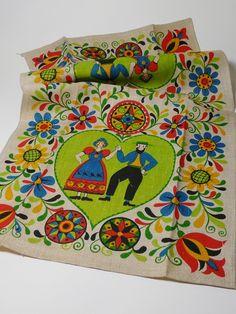 Vintage Pennsylvania Dutch Dish Towel by parkandbeach on Etsy