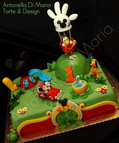 Mickey & Minnie Mouse. Pluto & Donald Cake