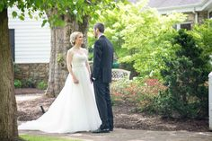 Bride and Groom at Knoxville wedding venue Dara's Garden. Click to see more photos by Shane Hawkins Photography