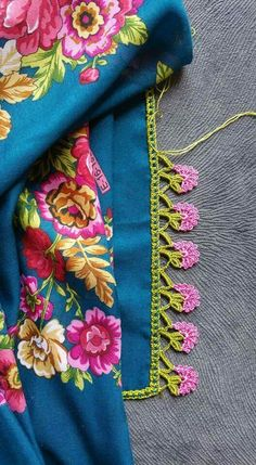 Most Trending Colorful Crochet Needlework Models Peacock Crochet, Crochet Ruffle, Crochet Trim, Knitting Yarn, Baby Knitting, Knitting Patterns, Crochet Patterns, Crochet Borders, Crochet Stitches