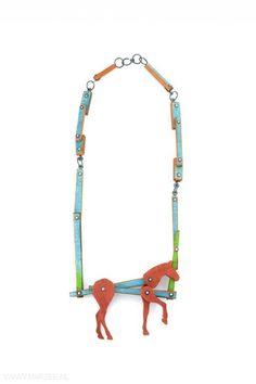Tabea Reulecke - Fuchs, necklace, 2010, padouk, silver, paint - 36 x 12 x 3 cm