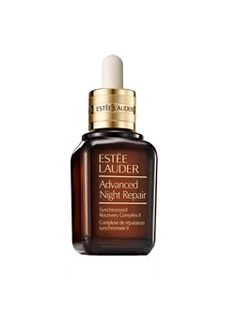 Cult fave Estee Lauder Advanced Night Repair serum goes through its second reformulation in 4 years-literally the best product I've ever used will never live without it Anti Aging Tips, Anti Aging Serum, Anti Aging Skin Care, Bobbi Brown, Sephora, Best Face Serum, Face Care Routine, Keratin, Shea Butter