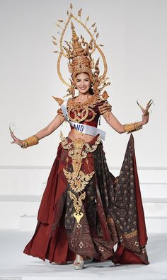 The outrageous costumes from the Miss International beauty pageant Thai Traditional Dress, Traditional Outfits, Thailand Costume, Trendy Dresses, Fashion Dresses, Miss Universe National Costume, Thai Fashion, Thai Dress, Thai Style