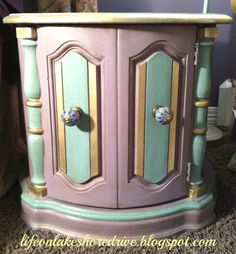 Annie Sloan chalk paint table makeover in emile and duck egg blug with gold gilding wax