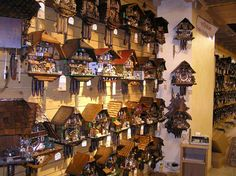 House of 1000 Clocks, cuckoo clock shoppe. Triberg, Germany  https://www.hausder1000uhren.de/