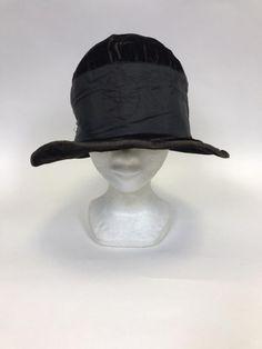 bf912b9597ce7 Vintage authentic 1920s dark brown velvet cloche hat