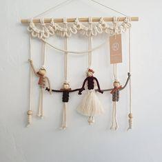 Macrame Hanging Chair, Macrame Wall Hanging Patterns, Yarn Wall Hanging, Macrame Patterns, Macrame Owl, Macrame Knots, Micro Macrame, Yarn Dolls, Fabric Dolls
