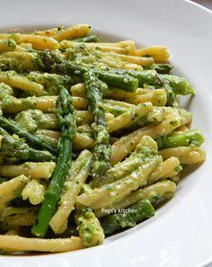 the recipe in english Pasta Recipes, Vegan Recipes, Vegan Food, English Food, Pesto, Pasta Dishes, Green Beans, Food To Make, Good Food