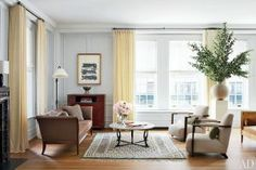 At home with Nina Garcia in her Upper East Side apartment - living room | www.myLusciousLife.com
