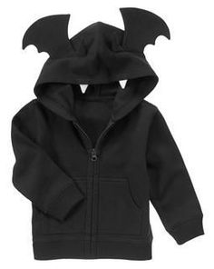 Spooky Bat Hoodie {crazy Would love this for my kiddo. Baby Outfits, Toddler Outfits, Kids Outfits, Punk Baby, My Baby Girl, Baby Love, Goth Baby Clothes, Gothic Baby, Baby Bats