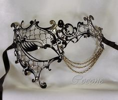 Venetian black mask elegant and original mask by Cocone on Etsy if my sorority ever has a masquerade ball or formal/semi, im buying this and willwear it al lnight. Masquerade Wedding, Masquerade Ball, Masquerade Attire, Diy Schmuck, Schmuck Design, Bling Bling, Silver Mask, Beautiful Mask, Venetian Masks