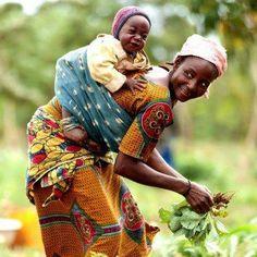 La maman africaine au champs