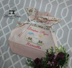 Saquinhos organizadores personalizados MANUELLA #manuella Roupas sujas x Roupas limpas Medindo 35 x 45 cm Escolha sua estampa, bordado e nome que confeccionamos! Faça sua combinação totalmente personalizada. ☎ (32)3031-4550 📲 (32)9 8804-3873 whats  Instagram@ateliermimamimos 🚚 Entregamos para todo Brasil pelos Correio. #saquinhos#saquinhosorganizadores#roupaslimpas#roupassujas#lingerie#bebê#enxoval #ateliermimamimos #amornoquesefaz #feitocomcarinho#feitoparavoce…