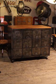 meuble de metier militaire ancien