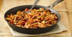 Πέννες με κοτόπουλο, λαχανικά και φέτα