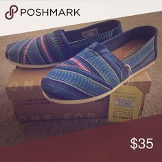 Tom's tribal print shoes Brand new w/ tag & box! Toms Shoes Flats & Loafers